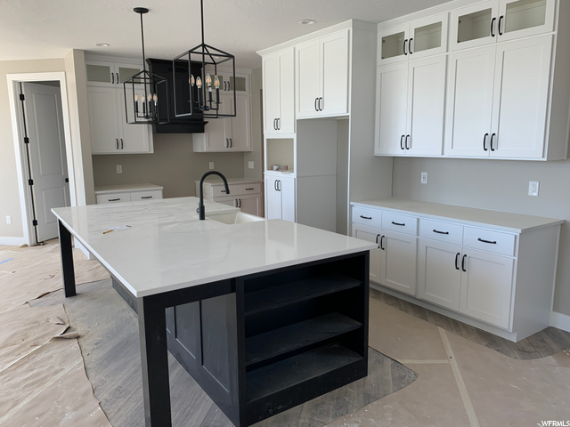 : Kitchen with extended Island