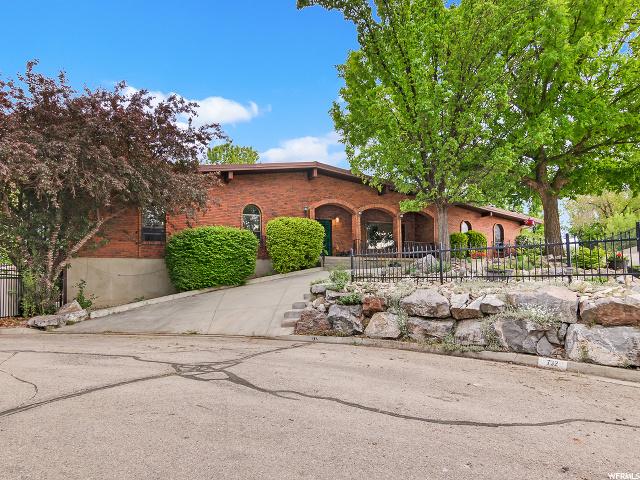 732 215, Lindon, Utah 84042, 6 Bedrooms Bedrooms, 23 Rooms Rooms,4 BathroomsBathrooms,Residential,For Sale,215,1675340