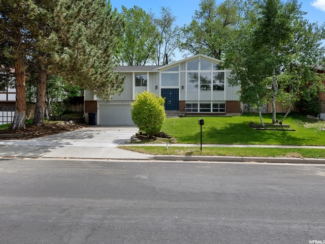 1596 E SUNRISE MEADOW DR, Sandy UT 84093
