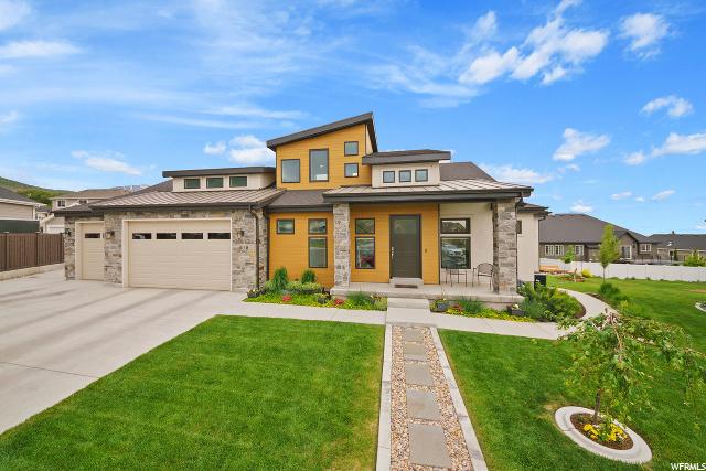 678 900, Pleasant Grove, Utah 84062, 5 Bedrooms Bedrooms, 14 Rooms Rooms,3 BathroomsBathrooms,Residential,For Sale,900,1676480