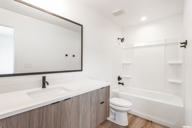 Master Bathroom 2 - Level 2