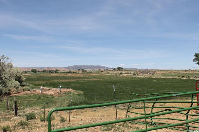 4689 N 10500 E, Lapoint, Utah 84039, ,Farm,For sale,10500,1681294