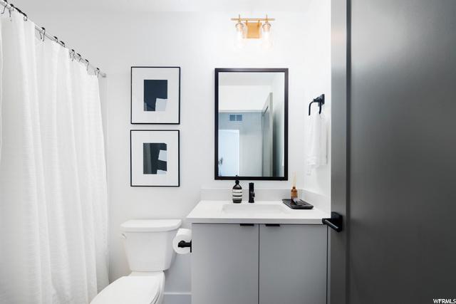 Secondary Bath - Level 3: Similar Unit Shown