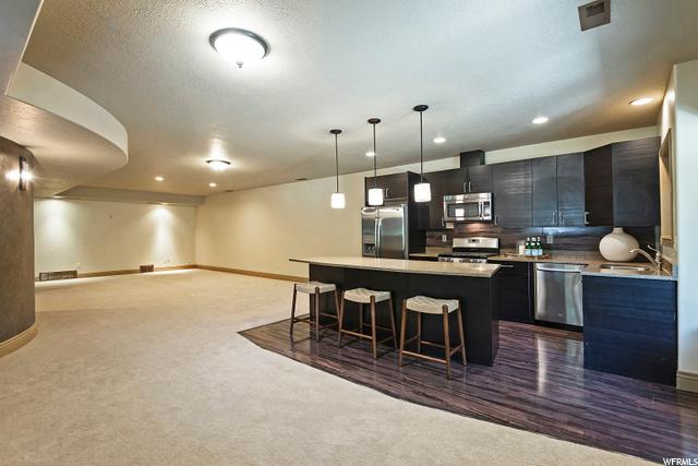 7311 Milne Garden, Cottonwood Heights, Utah 84047, 5 Bedrooms Bedrooms, 26 Rooms Rooms,4 BathroomsBathrooms,Residential,For sale,Milne Garden,1695724