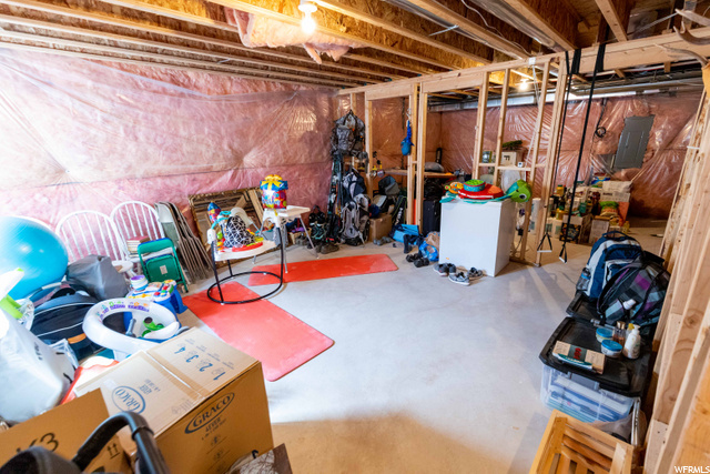 262 Brigham, North Salt Lake, Utah 84054, 3 Bedrooms Bedrooms, 11 Rooms Rooms,2 BathroomsBathrooms,Residential,For sale,Brigham,1700305
