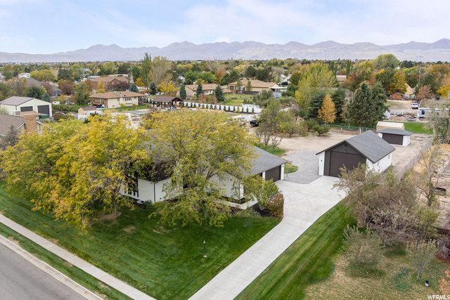 9654 S DUNSINANE DR, South Jordan UT 84009