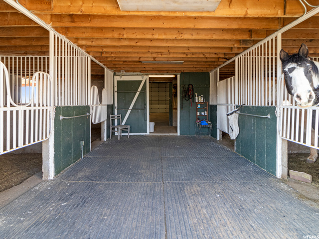 4 interior stalls, 1 set up for a stallion hay loft and hay elevator included
