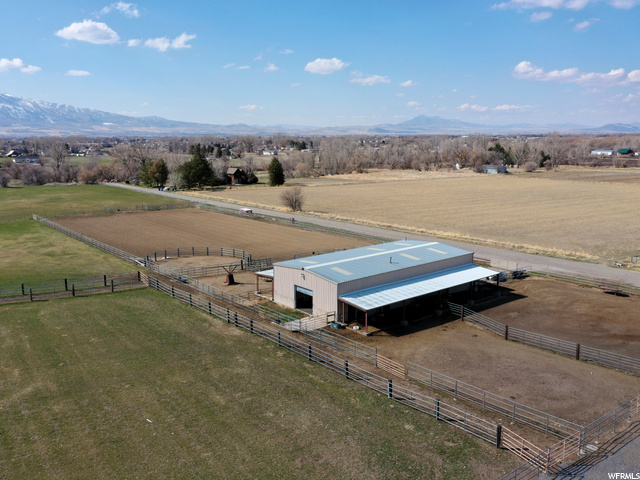 Barn/shop with 180 feet of covered carport