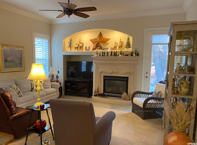 Family Room with 10 ft. ceilings