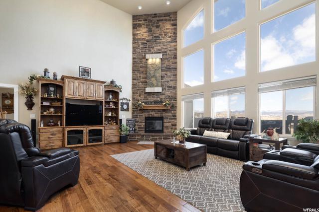 Has a beautiful fireplace with waterfall humidifier