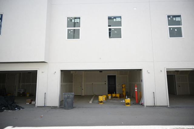 2 car Garage: Photo taken 6/8/2021