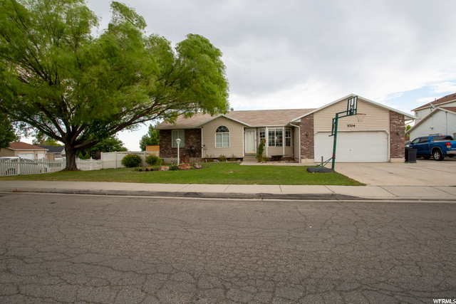 5704 W HUNTER HOLLOW  DR, West Valley City UT 84128