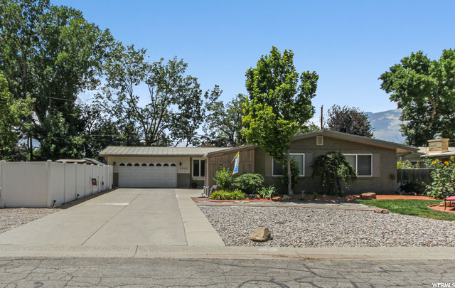 5088 S WOODMONT DR, Holladay UT 84117