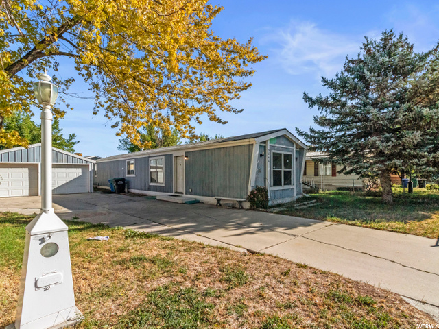 3846 W COUNTRY SQUIRE DR, West Jordan UT 84088