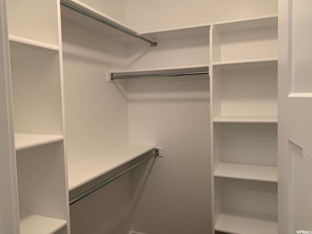 Similar Master Closet
